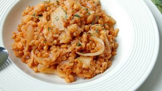 One-Pot Farro with Cauliflower and Onions