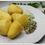 Sweet Potato Puzhungiyathu with Thenga and Mulaku Chammanthi