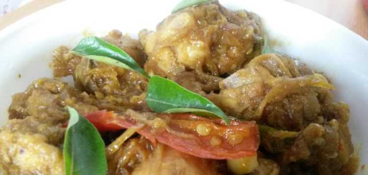 CHICKEN VARATTIYATHU