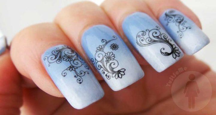 Schwarzkopf-nagelak-promo-blauw-cloudy-yustsome-swatched-it-na2