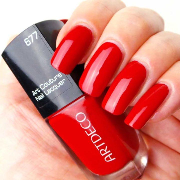ArtDeco-nagellak-nailpolish-677-art-couture-nail-laquer-review-swatch-yustsome-hand2