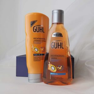 blux-box-luxe-make-up-cosmetica-september-guhl-tanoil-lord-berry-meeki-6