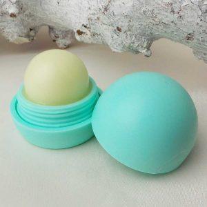 cozz-mascara-waterproof-kruidvat-lipbalm-vanille-yustsome-review-l1
