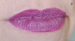 Oriflame-the-one-5in1-colour-stylist-lipstick-review-swatches-yustsome-mulberry-meringue-3