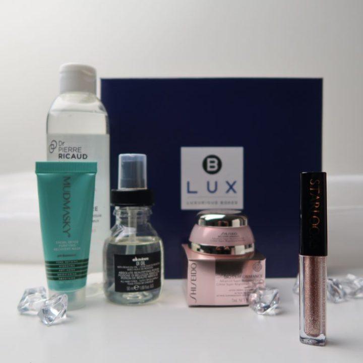 blux-oktober-1-jaar-bestaan-mari-van-de-ven-beauty-box-yustsome-unboxing6