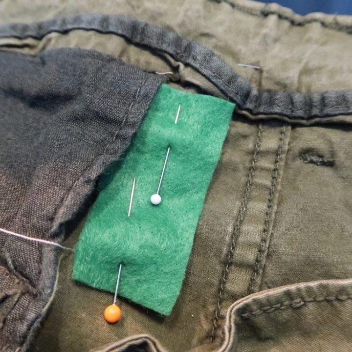 Winkelhaak, broek, herstellen, naaien, handwerken, yustsome, herstelwerk, oude tijden