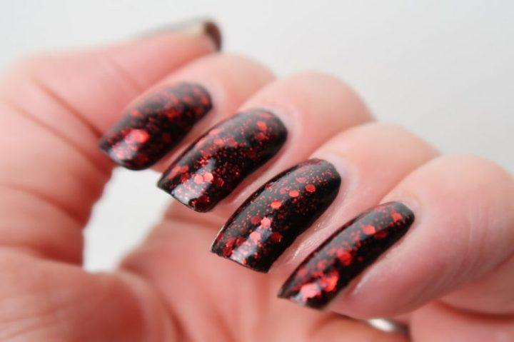 nyx-girls-dorothy-swatch-glitter-nailpolish-yustome-3