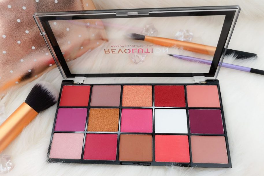 Revolution Reloaded Red Alert,Revolution, i heart revolution, make-up, palette, oogschaduw, eyeshadow, Beauty, review, beautysome, swatches, look, eyes,