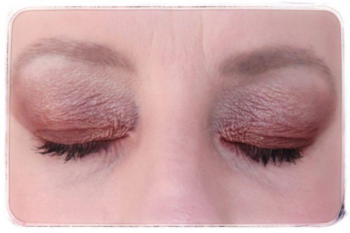 Crystal, power, essence, cosmetica, make-up, review, blog, beautysome, eyeshadow, lipstick, blush, highlighter, nailpolish