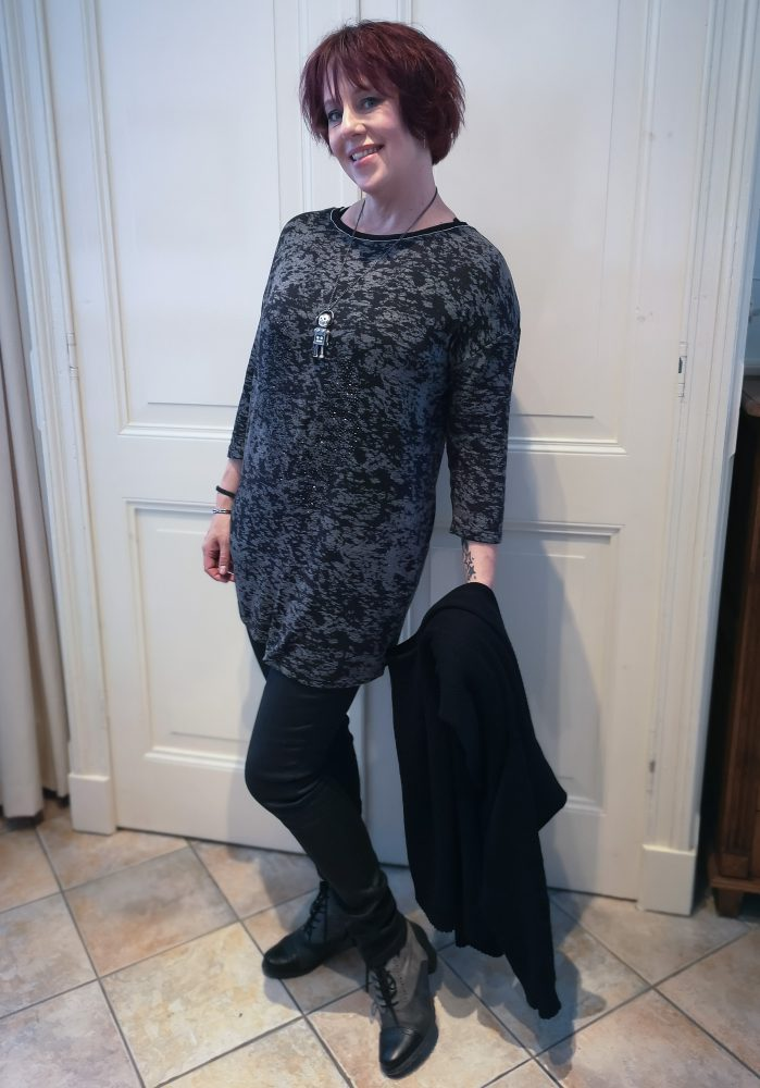 Klingel, Laura kent, shirt, steentjes, strass, fashion, fashionover50, mode, vrouwen, 50 plus