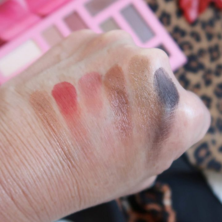 Out in the Wild, blooming, bloomer, 50 plus, vrouwen, roze, oogschaduw, palette, essence, Don't stop blooming
