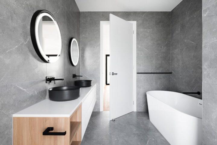 badkamer, renovatie, opknappen, spiegel, grohe, kraan, waterbesparend, douchekop, tegels, renoveren