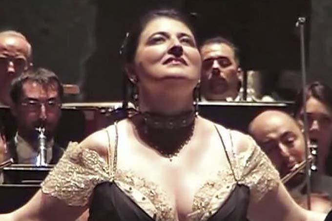 Biancavilla, concerto del soprano Dimitra Theodossiou
