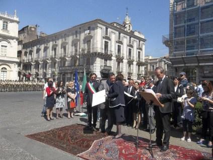 L'Avv. Salvatore Mineo in una manifestazione a Catania (immagine tratta dalla pagina Facebook Primavera Licodiese)