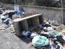 Biancavilla, rifiuti fra via del Trebbiatore e Strada Perrieri