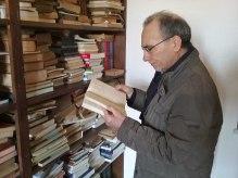 """Paternò, Biblioteca """"Salvatore Quasimodo"""" di Sferro. Il Presidente di """"SiciliAntica"""" di Paternò, Mimmo Chisari"""
