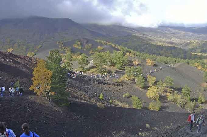Belpasso. Sindaco Motta: «Annullare vendita terreni demaniali nel Parco dell'Etna»