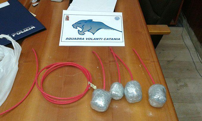 Catania, ordigni e droga in auto: arrestato pregiudicato
