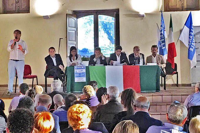 """Ragalna, Fratelli d'Italia """"No"""" e """"prove tecniche"""" di alleanza"""