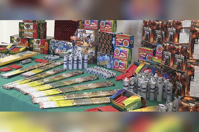 Mineo: scoperta fabbrica illegale di botti di Capodanno