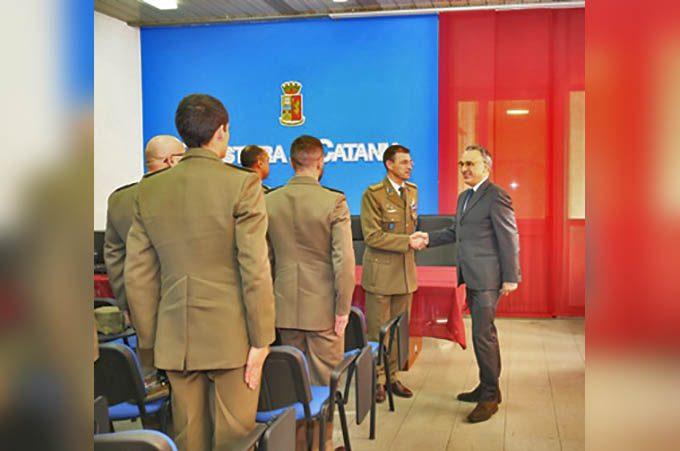 """Catania, il Questore Cardona incontra i militari di """"Strade Sicure"""""""