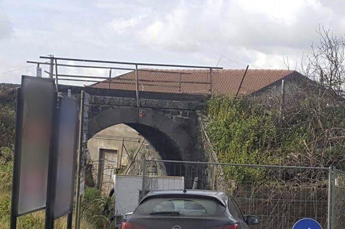 Adrano, al via i lavori per abbattimento del ponte di via San Paolo