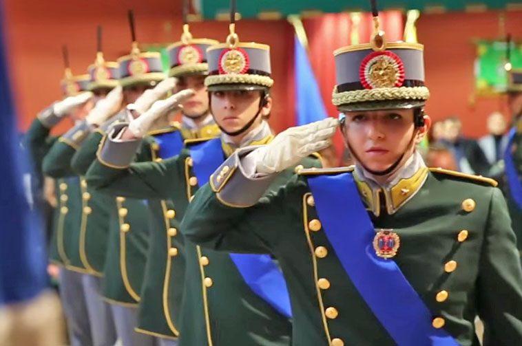 La Guardia di Finanza arruola 461 allievi maresciallo. Ecco come fare