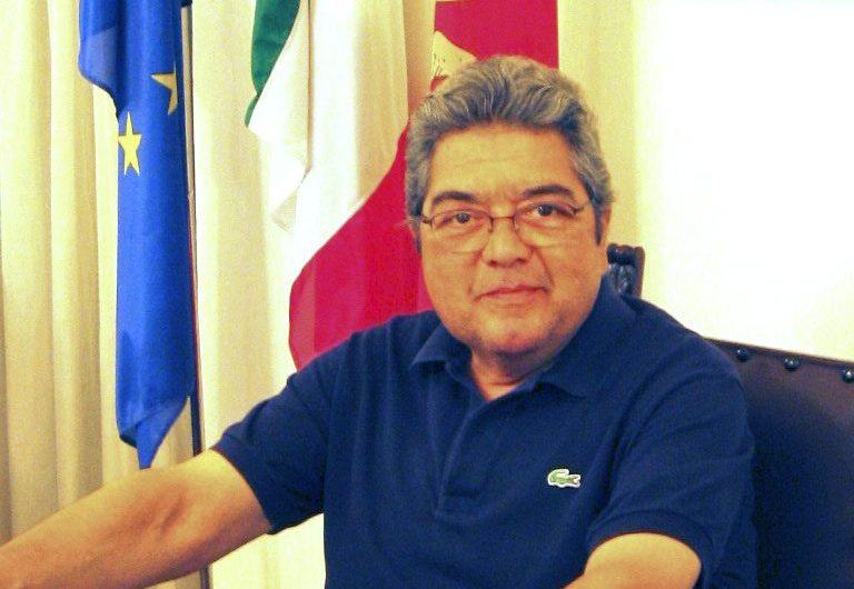 Santa Maria di Licodia, oggi l'addio all'ex sindaco Salvo Rasà