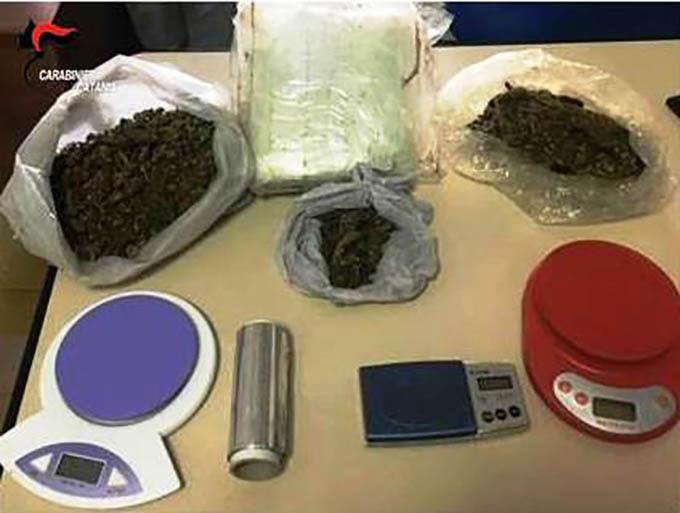 Paternò, due chili di marijuana nell'armadio: arrestato 38enne