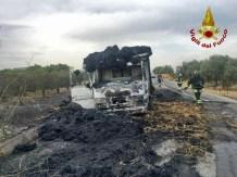 paternò_vigili_fuoco_camion_paglia_28_06_2017_01