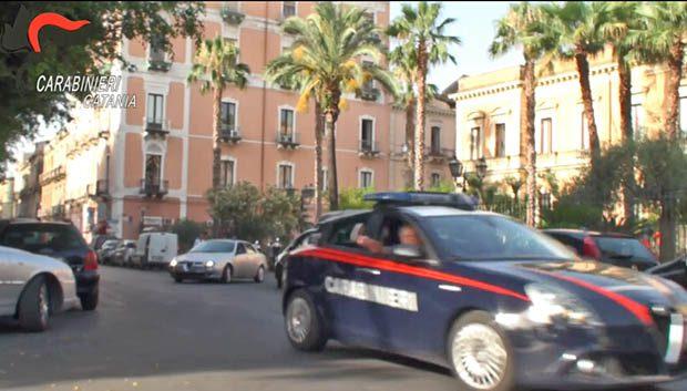 Biancavilla, arresto per spaccio e furto di energia elettrica