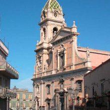 Biancavilla, basilica Santa Maria dell'Elemosina (Foto Archenzo di Wikipedia in italiano)
