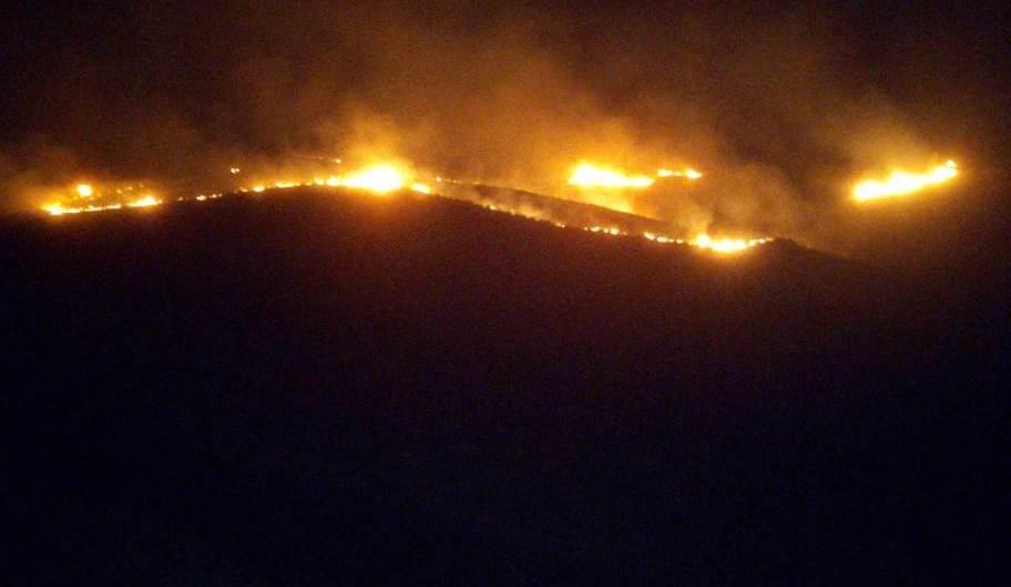 Paternò. Vasto incendio su monte Castellaccio