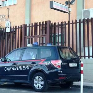 Biancavilla. Lanciano un cancello contro i Carabinieri per coprirsi la fuga: 2 ladri in manette