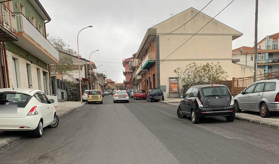 Belpasso. Via Cairoli è un autodromo, raccolta firme pro-dossi dei residenti