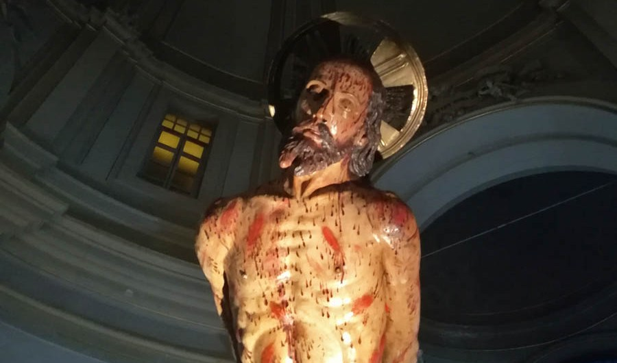 """Paternò. Esposto il """"Cristo alla colonna"""": la fede si oppone alla pandemia"""