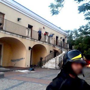 Paternò. Incendiata una porta di Casa Coniglio