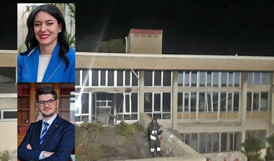 """Paternò. Incendio scuola """"Don Milani"""", ministra Azzolina chiama il dirigente scolastico"""
