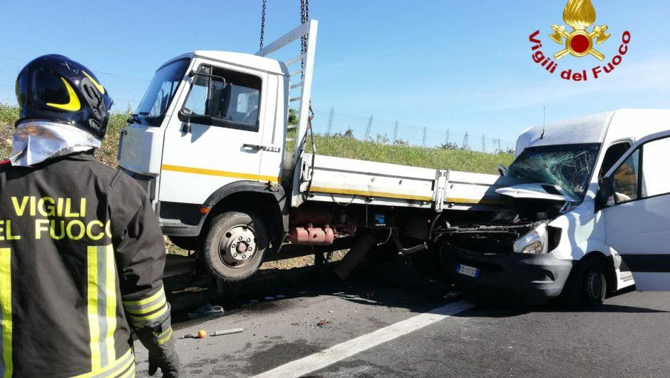 A19, grave incidente allo svincolo di Motta