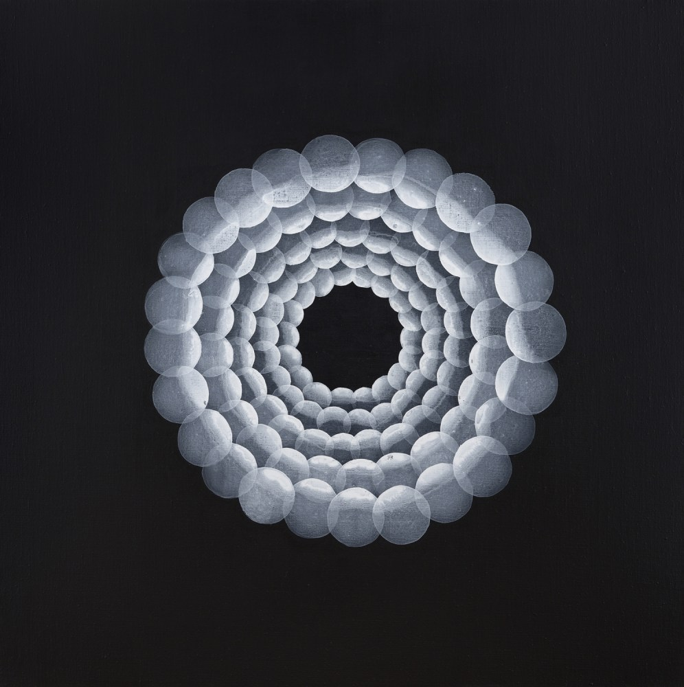 Yvonne Behnke white on black painting transparent cercles forming a tunnel black whole
