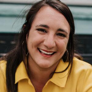 Elise Naccarato headshot