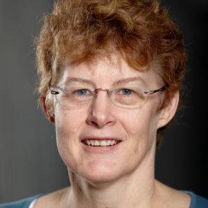 Dr. Alison Fox-Robichaud headshot