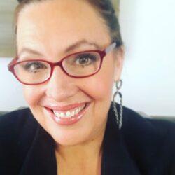 Laura Babcock headshot - new