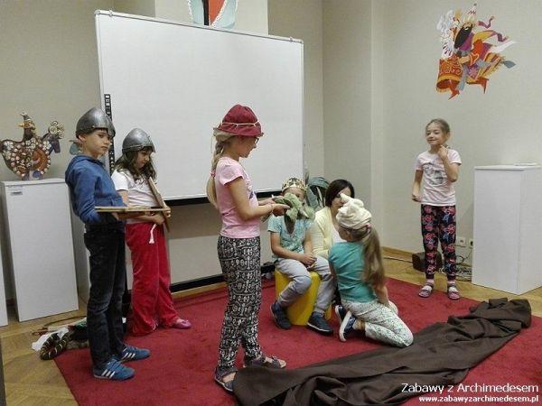 Tropem Smoka Wawelskiego i groźnych Tatarów