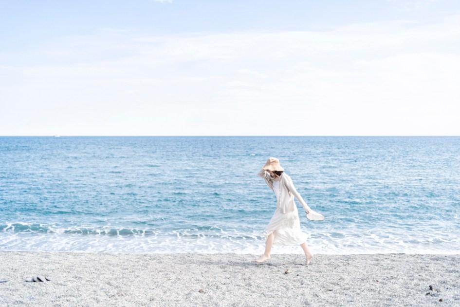 人像|外拍|宜蘭|沙灘|日系色調|輕婚紗