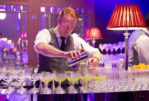 cm-barman