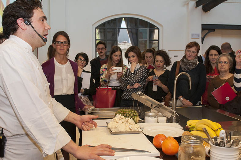 Lo-chef-Daniel-Canzian-evento-dole-qualità-valentina-coco-fashion-blogger