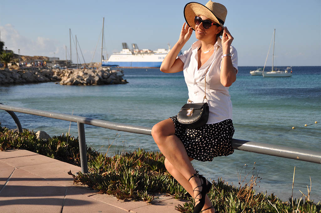 outfit-fashion-bloggert-travel-holiday-corsica-valentina-coco-jessica-buurman