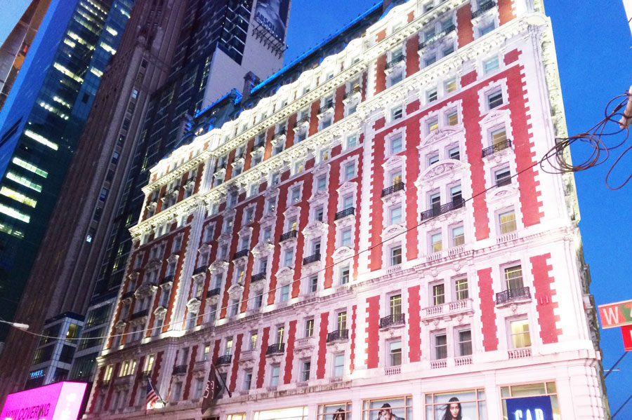 new-york-viaggio-consigli-posti-dove-andare-The-Knickerbocker-NY-hotel-luxury-viaggio-da-sogno-valentina-coco-fashion-blogger-travel-time-square