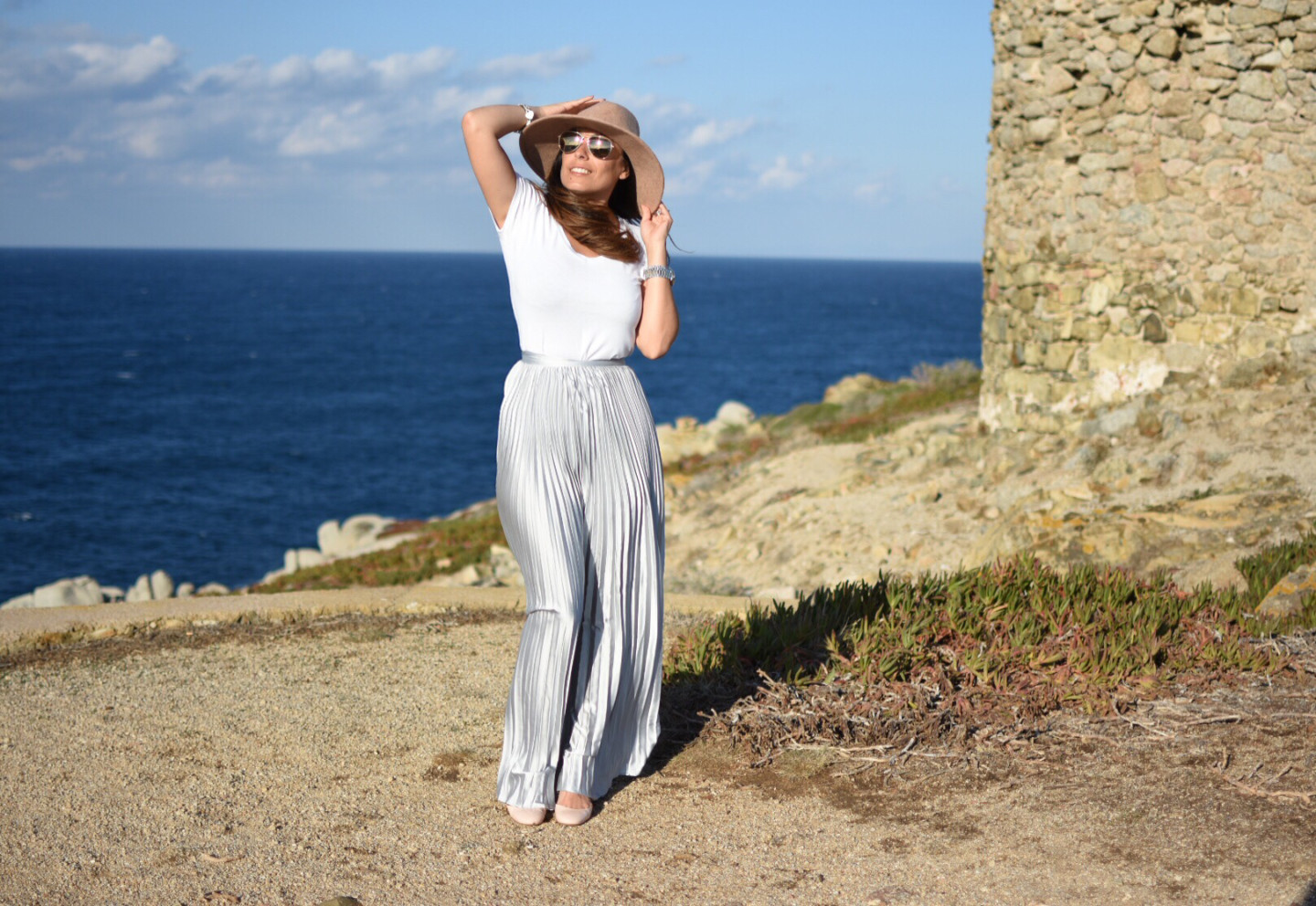 corsica-gonna-argento-lunga-must-have-travel-outfit-street-style-valentina-coco